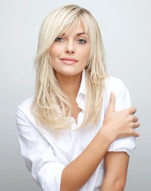 couleur cheveux blond platine coupes et coiffures tendances. Black Bedroom Furniture Sets. Home Design Ideas