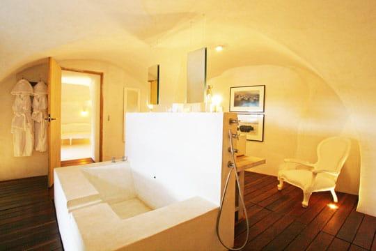 monobloc des salles de bains de d corateurs journal des femmes. Black Bedroom Furniture Sets. Home Design Ideas