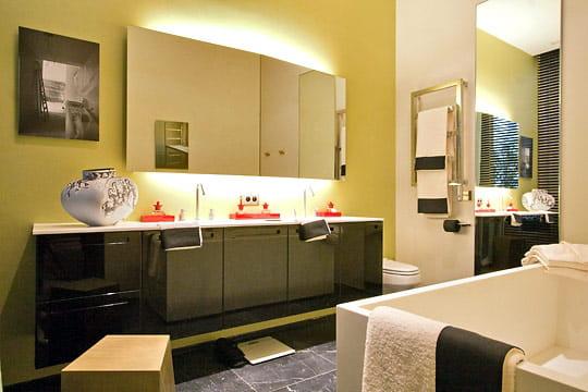 La chambre jaune des salles de bains de d corateurs for Salle de sejour jaune