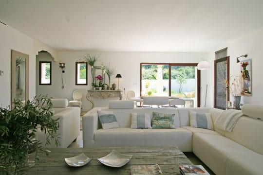 un salon aux accents d 39 ailleurs toujours plus d 39 id es pour d corer mon salon journal des. Black Bedroom Furniture Sets. Home Design Ideas