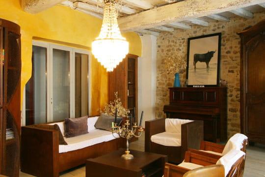 atmosph re camarguaise toujours plus d 39 id es pour d corer mon salon journal des femmes. Black Bedroom Furniture Sets. Home Design Ideas