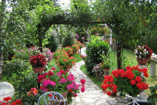 le jardin tout en couleurs de jocelyne elisez le plus beau jardin de lecteurs journal des femmes. Black Bedroom Furniture Sets. Home Design Ideas