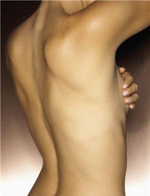 http://sante.journaldesfemmes.com/maux-quotidien/conseil/mes-10-resolutions-sante/image/me-protege-cancer-sein-738613.jpg