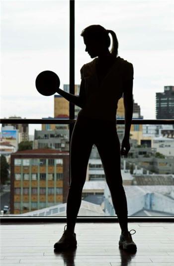 je veux me muscler trouvez le sport qui est fait pour vous journal des femmes. Black Bedroom Furniture Sets. Home Design Ideas