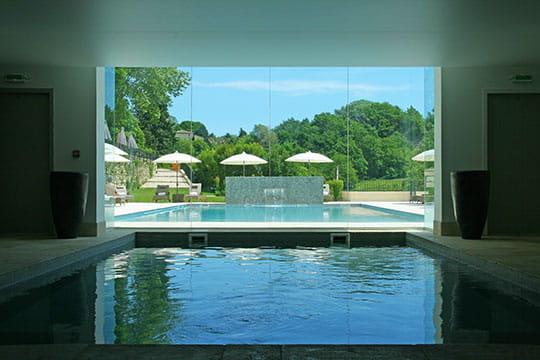 Prolongement dedans dehors piscine int rieure et spa for Interieur d un couvent streaming
