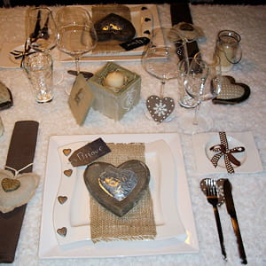 Une d co simple et naturelle deux ambiances pour une - Deco de table st valentin ...