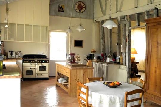 Une cuisine la d co campagne chic esprit rustique et for Cuisine rustique chic