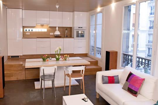 une cuisine sur lev e. Black Bedroom Furniture Sets. Home Design Ideas