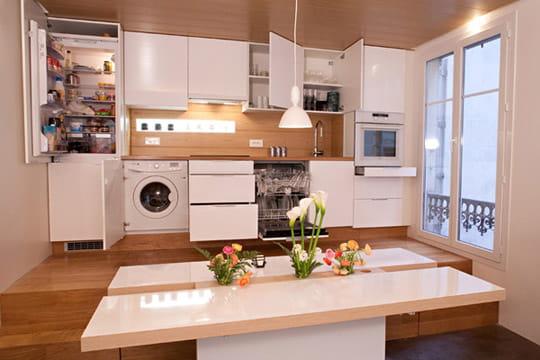 Une cuisine encastr e pour plus de discr tion un 50 m for Cuisine amenagee originale