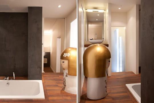 deux acc s vers la salle de bains un 50 m plein d 39 astuces journal des femmes. Black Bedroom Furniture Sets. Home Design Ideas