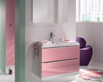 Meuble de salle de bains rose bonbon de d cotec - Meuble salle de bain rose ...