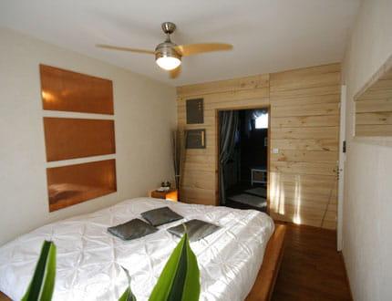 ambiance zen dans la chambre visitez la maison de c line journal des femmes. Black Bedroom Furniture Sets. Home Design Ideas