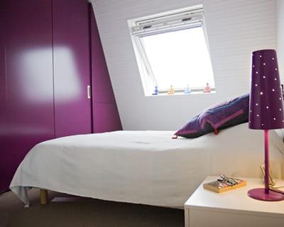 Une chambre la d co sobre et color e suite parentale 10 chambres coups de coeur journal - Chambre coloree ...