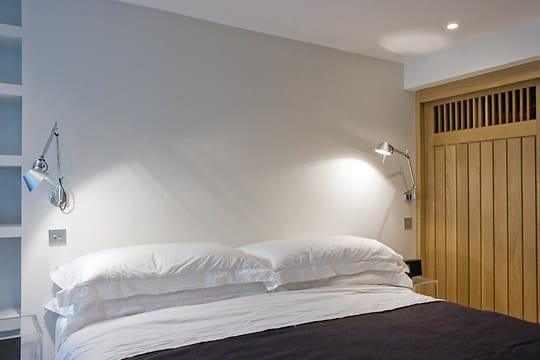 un style ultra contemporain dans les chambres op ration sauvetage dans un vieil appartement du. Black Bedroom Furniture Sets. Home Design Ideas