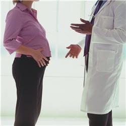 lors de la première consultation, le médecin vous explique l'organisation du