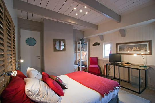 Stunning Idee Deco Chambre Gris Et Rouge Gallery - Awesome ...
