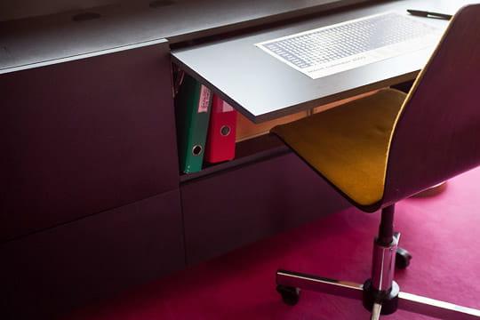un bureau cach dans le salon un int rieur vitamin et bien pens journal des femmes. Black Bedroom Furniture Sets. Home Design Ideas