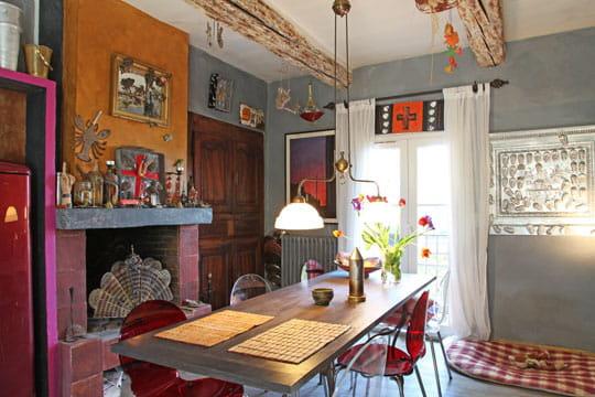 Cuisine insolite une maison gaie et exub rante dans le sud journal des femmes - Cuisine insolite ...
