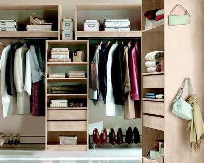 dressing de kazed en bois clair 12 id es pour un super dressing journal des femmes. Black Bedroom Furniture Sets. Home Design Ideas