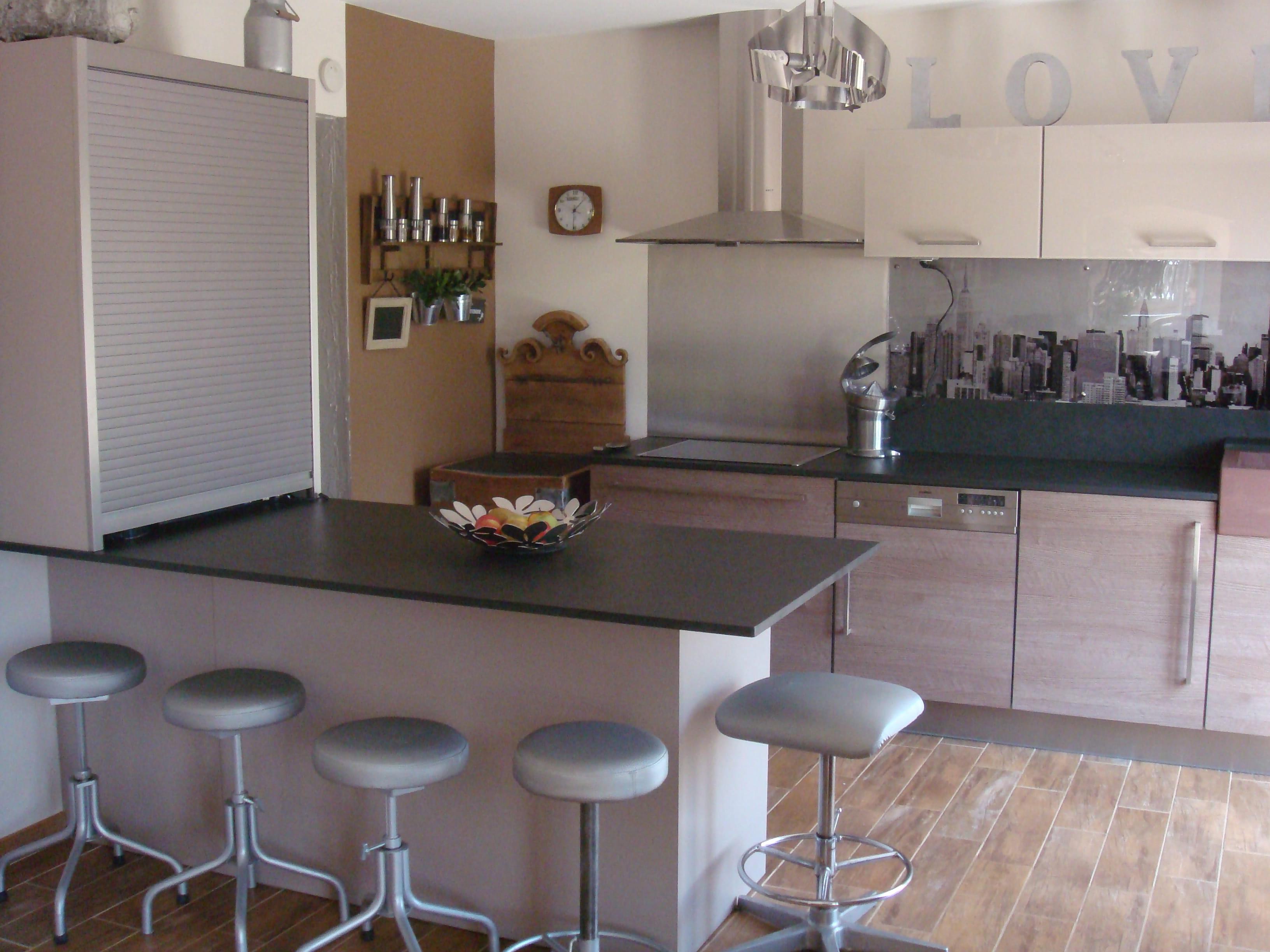 moderne avec une touche de brocante les plus belles cuisines de lectrices journal des femmes. Black Bedroom Furniture Sets. Home Design Ideas