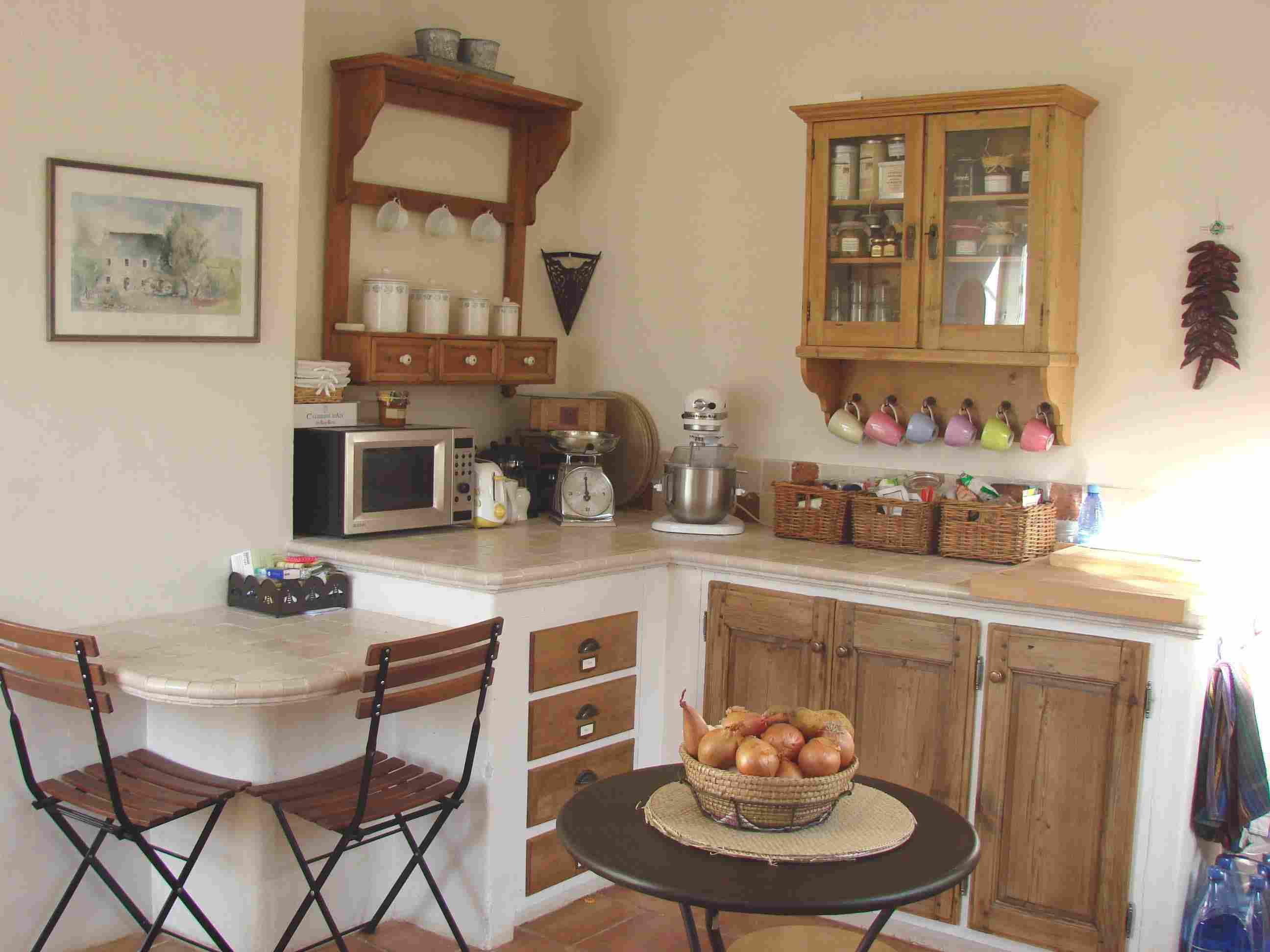 Authentique esprit proven al les plus belles cuisines de for Le decor de la cuisine
