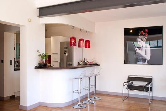 un nouveau bar pour la cuisine. Black Bedroom Furniture Sets. Home Design Ideas