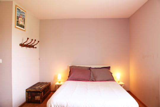 Petite Lampe Pour Chambre Bebe : Décoration de chambre dans le thém ton beige et voyage