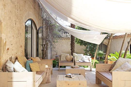 sous voilages terrasse 70 photos pour vous inspirer. Black Bedroom Furniture Sets. Home Design Ideas