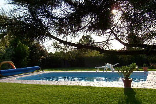 une piscine pour r ver vos magnifiques piscines journal des femmes. Black Bedroom Furniture Sets. Home Design Ideas
