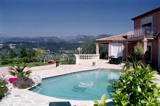 Une piscine en b ton projet vos magnifiques piscines for Piscine beton projete