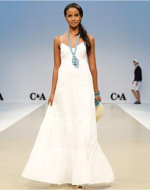 longue les petites robes ont carte blanche journal des femmes. Black Bedroom Furniture Sets. Home Design Ideas