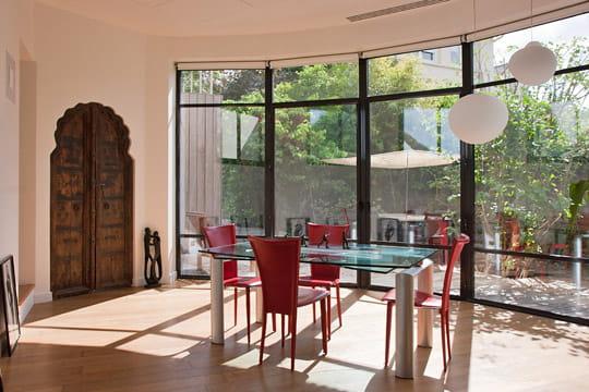 Une nouvelle salle manger avec vue esprit plage dans for Nouvelle salle a manger
