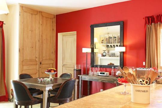Couleurs gourmandes pour coin repas styl harmonie des couleurs dans une ma - Couleur interieur de maison ...