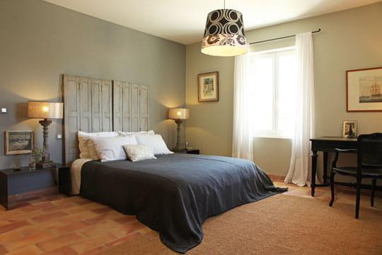nuances grises harmonie des couleurs dans une maison de vacances journal des femmes. Black Bedroom Furniture Sets. Home Design Ideas