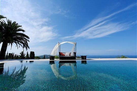 Une piscine miroir des piscines de r ve pour buller cet for Image piscine miroir