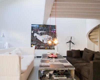 suspendre des luminaires aux poutres. Black Bedroom Furniture Sets. Home Design Ideas