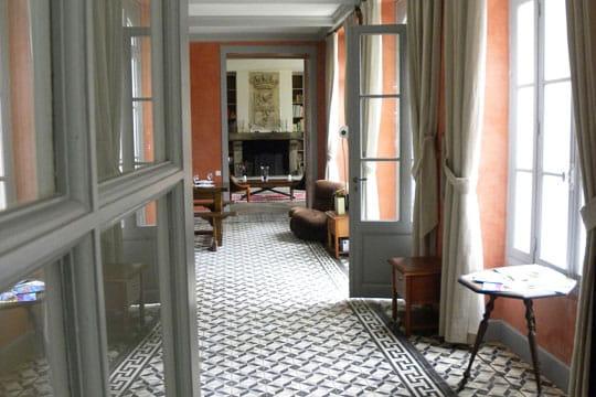 Entre orange rouille et gris perle esprit maison de - Esprit de famille decoration ...
