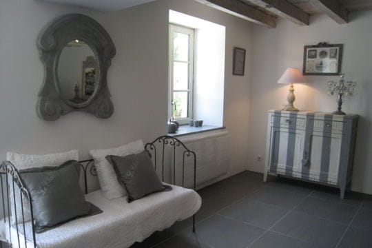 campagne chic esprit de charme dans un ancien chai. Black Bedroom Furniture Sets. Home Design Ideas