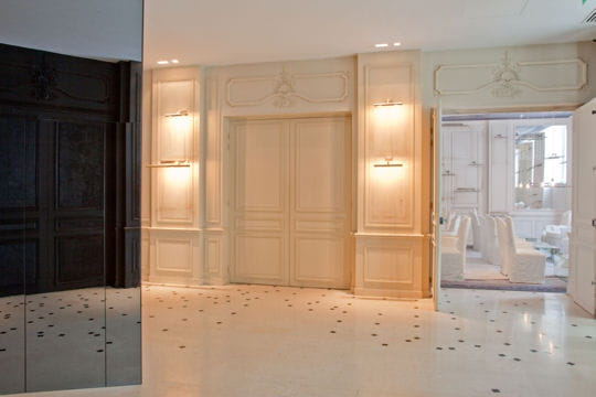 le hall de r ception maison martin margiela d core la maison des centraliens journal des femmes. Black Bedroom Furniture Sets. Home Design Ideas