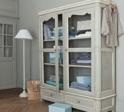 armoire linge grillag e. Black Bedroom Furniture Sets. Home Design Ideas