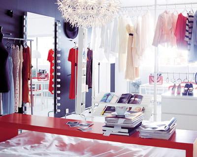 Miroir de star les nouveaut s du catalogue ikea 2012 for Miroir loge de star
