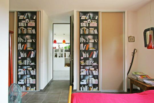 chambre en trompe l 39 oeil effet dedans dehors pour une maison de campagne journal des femmes. Black Bedroom Furniture Sets. Home Design Ideas