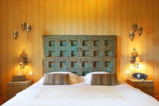 inspiration d 39 ailleurs 50 id es pour refaire sa t te de lit journal des femmes. Black Bedroom Furniture Sets. Home Design Ideas