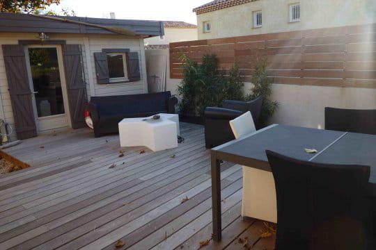 Un mobilier moderne dans un style pur am nagement de terrasses l 39 ambiance zen et moderne - Mobilier jardin zen besancon ...