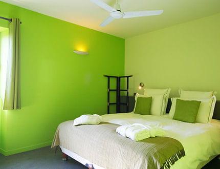 Cama eu de vert - Catalogos de colores de pinturas para interiores ...