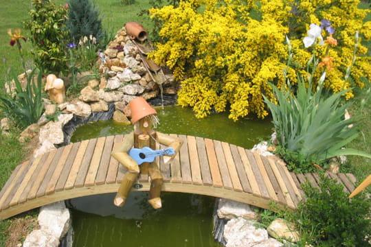 Petit pantin musicien des passerelles pour survoler les bassins journal des femmes - Passerelle en bois pour jardin ...