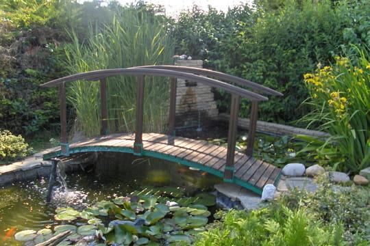 Vue imprenable des passerelles pour survoler les bassins journal des femmes - Passerelle en bois pour jardin ...